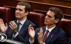 Casado y Rivera anuncian una «reunión privada» esta tarde para hablar de la oferta a Sánchez