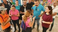 La consejera de Educación visitando un centro. Foto: Europa Press