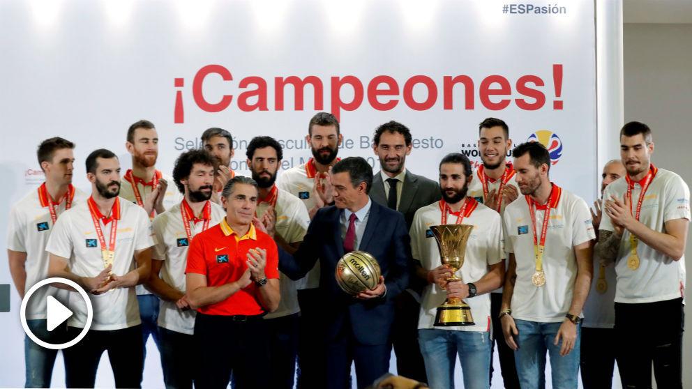 Scariolo y Pedro Sánchez, en Moncloa. (EFE)
