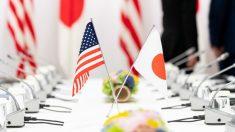 Banderas de EEUU y Japón. Foto: Europa Press