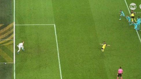 Ter Stegen no pisaba la línea con al menos un pie en el penalti que detuvo a Reus.