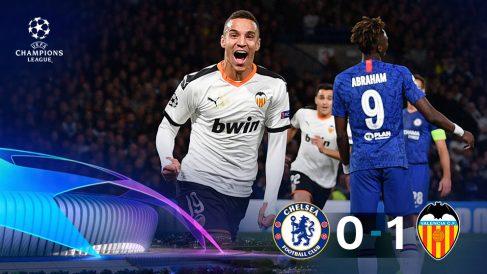 Rodrigo dio la victoria al Valencia en Londres. (AFP)