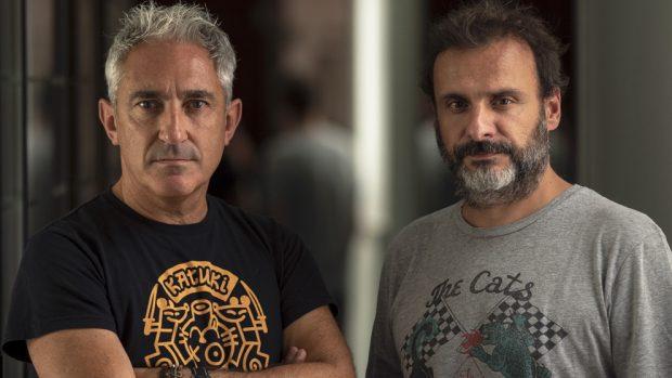 Jon Sistiaga y Alfonso Cortés-Cavanillas, directores del documental 'Zubiak', dentro de la serie documental de Movistar+ 'ETA, el final del silencio'.