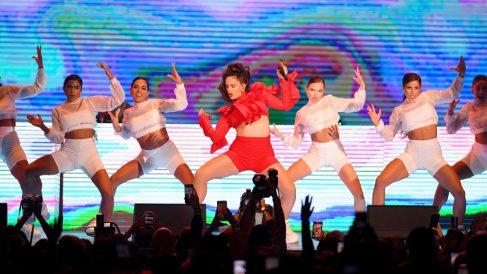 La cantante Rosalía en una de sus últimas actuaciones. Foto: AFP