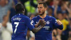 Kanté y Eden Hazard celebran un gol durante un partido con el Chelsea. (Getty)