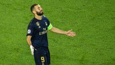 Karim Benzema se lamenta tras una ocasión. (AFP)