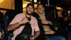 Neymar y Mbappé, en la grada del Parque de los Príncipes.