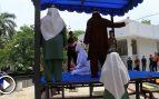 22 latigazos a una mujer indonesia por sus muestras de afecto a un hombre fuera del matrimonio