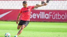 Chicharito Hernández entrenando con el Sevilla (@CH14_)
