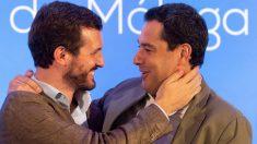 El presidente del Partido Popular (PP), Pablo Casado , junto al presidente de la Junta de Andalucía, Juanma Moreno.