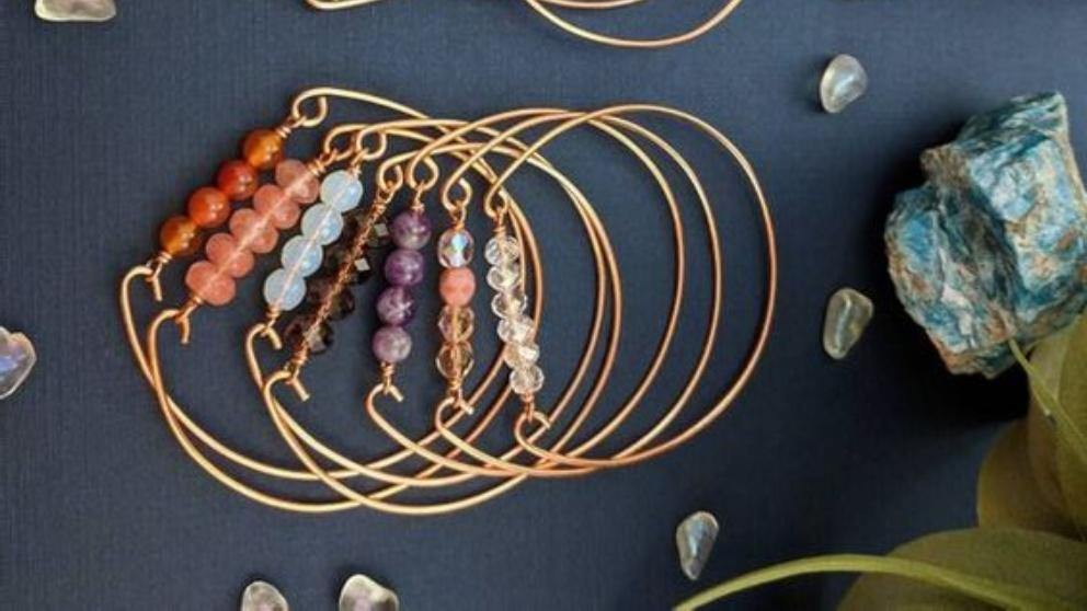 Pasos para hacer pulseras con alambre y piedras