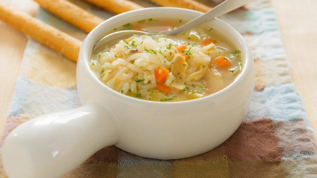 Sopa de arroz con endibias
