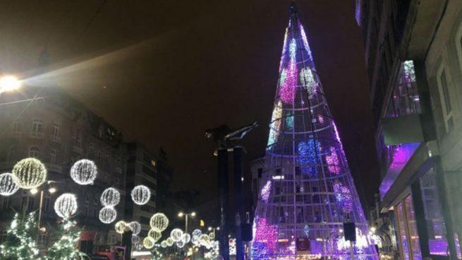 Almeida se 'envalentona' y le dice al alcalde de Vigo que Madrid lucirá mejores luces navideñas