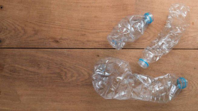 hacer joyas con botellas de plástico