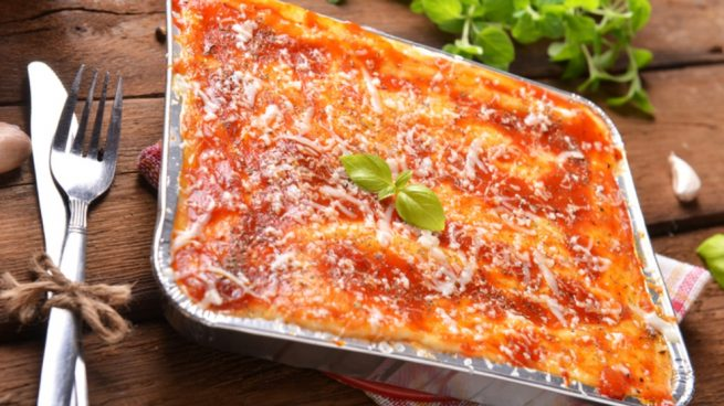 Receta de lasaña fría de salmón y calabacín con salsa tártara