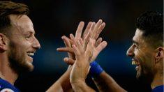 Rakitic y Suárez celebran un gol.(AFP)