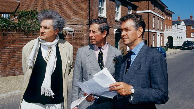 Leon Krier junto al Príncipe de Gales en Poundbury @Getty