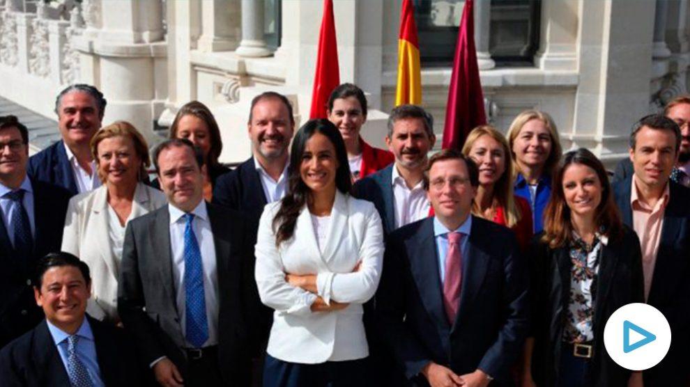 Almeida y Villacís en el evento de sus primeros 100 días en el mirador de Cibeles. (Foto. Madrid)