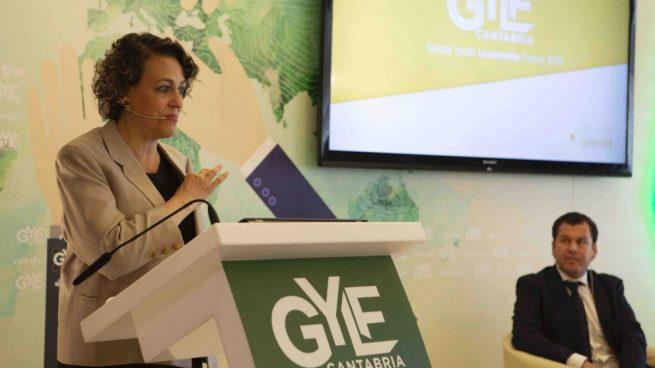 La Ministra de Trabajo, el presidente de Liberbank y el vicepresidente del Santander inauguran el Global Youth Leadership Forum
