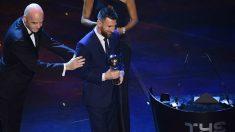 Messi, tras recoger el premio The Best. (AFP)
