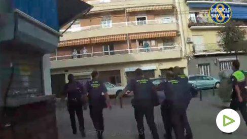 Espectacular persecución policial por las calles de Sevilla.