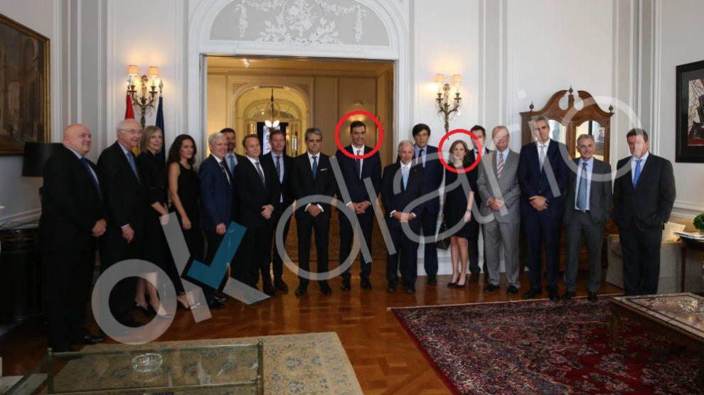 Pedro Sánchez en Nueva York en un acto junto a la mano derecha de Soros Dawn Fitzpatrick.