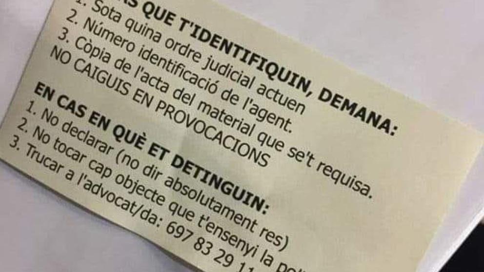 'Chuleta' con las instrucciones a los CDR en caso de detención..