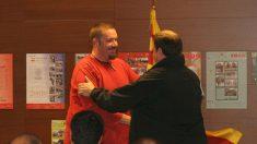 Junqueras (d) y Xavier Buigas, uno de los siete CDR detenidos por terrorismo, en una imagen de 2011. (Foto: ERC)