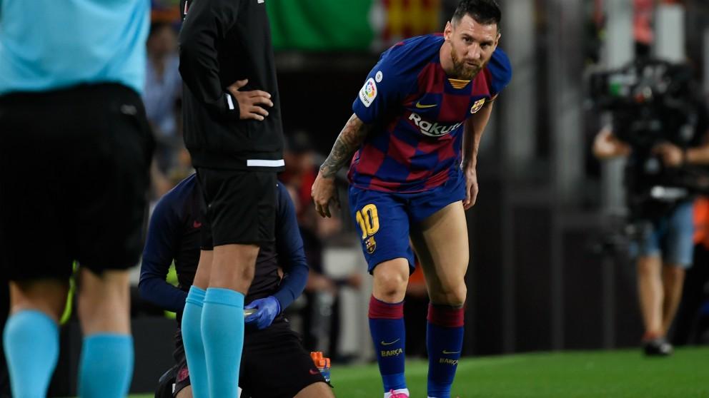 Messi se lesionó contra el Villarreal. (AFP)