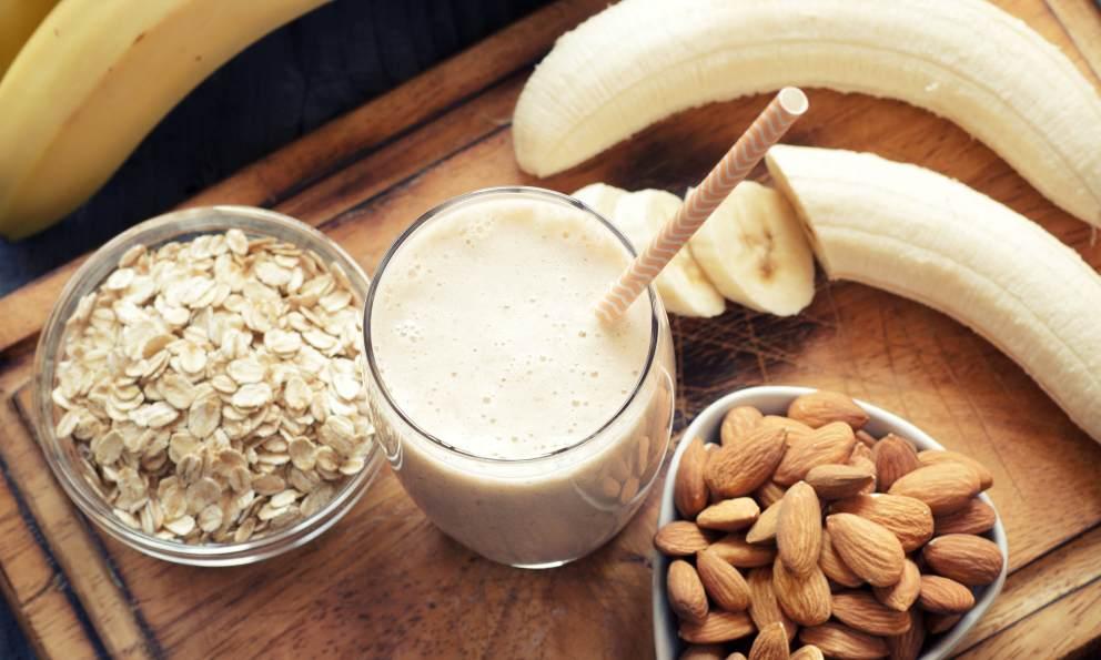 Receta de Smoothie de leche de avena y frutas