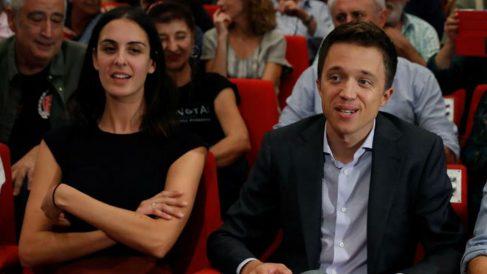 Iñigo Errejón y Rita Maestre en la asamblera celebrada esta atrde que le ha ratificado como cabeza de lista de su partido el 10-N. (Efe)