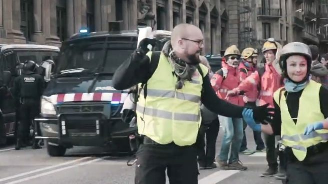 Uno de los detenidos por terrorismo fue en las listas de la CUP y dinamizaba vídeos del golpe del 1-O