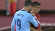 Morata se encara con Campos.