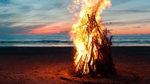 Valencia cerrará las playas la noche de San Juan