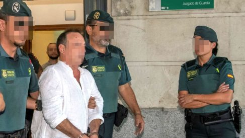 El gerente de Magrudis es trasladado a los calabozos tras declarar (Foto: EFE).