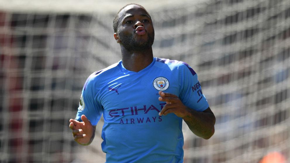 Sterling celebra un gol con el Manchester City. (Getty)