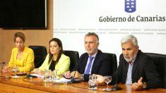 Gobierno de Canarias reunido por Thomas Cook
