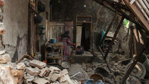 Una casa derrumbada por el terremoto (Indonesia). Foto: AFP