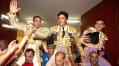 Ponce, Perera y Ureña salen a hombros este viernes en Aborán (Foto: EFE).