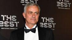 Mourinho,-en-la-gala-del-The-Best-celebrada-esta-semana-en-Milán-(AFP)