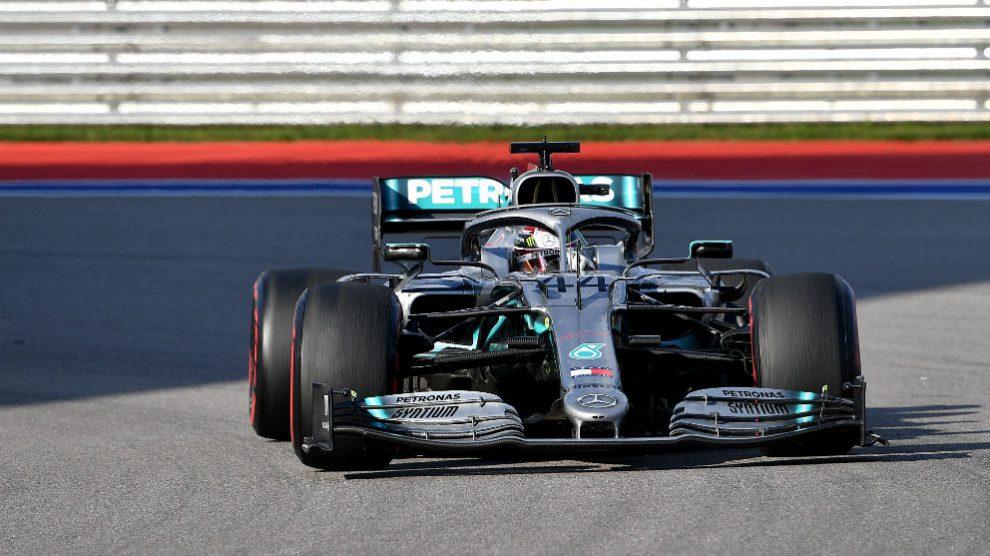 Hamilton, durante una carrera. (AFP)