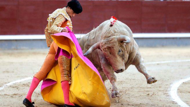 Ureña puntúa en Las Ventas y Perera borda el toreo pero falla con la espada