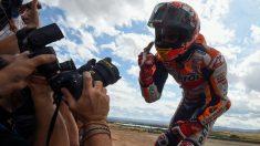 Márquez ya es el más joven de la historia en ganar ocho mundiales. (AFP)