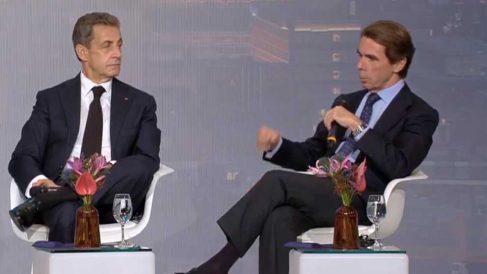 José María Aznar y Nicolas Sarkozy en una conferencia de Inspiring Hungary.