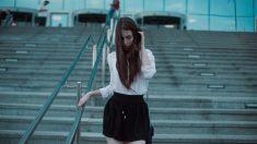 La falda negra es un básico en el fondo de armario femenino