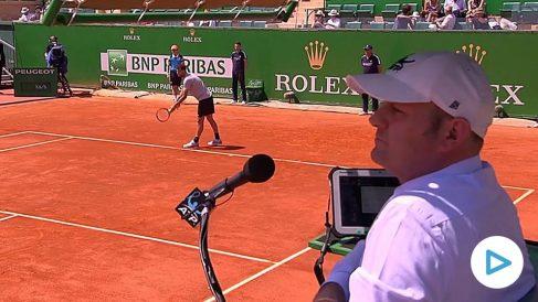 Gianluca Moscarella llama «sexy» a una recogepelotas. (tennislife)