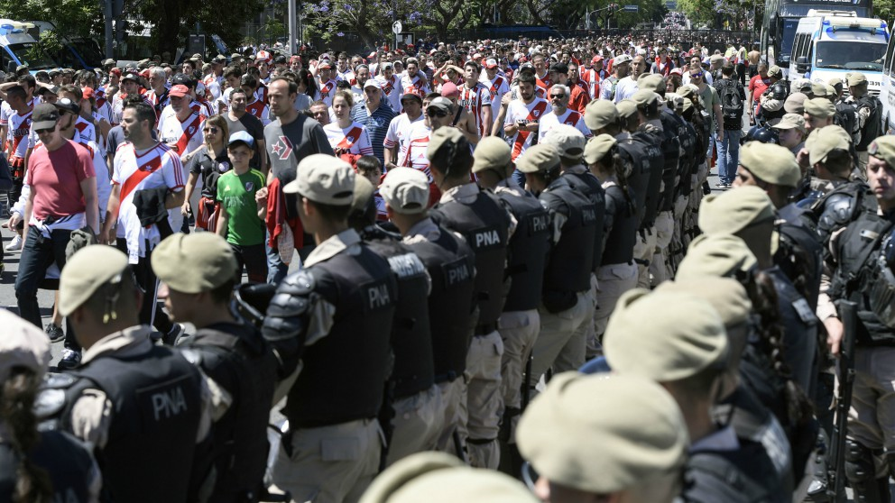 Buenos Aires se blinda para el River – Boca. (AFP)
