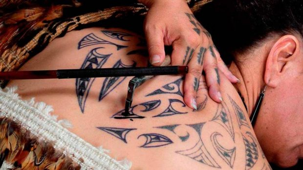 Hacer tatuajes temporales para este verano