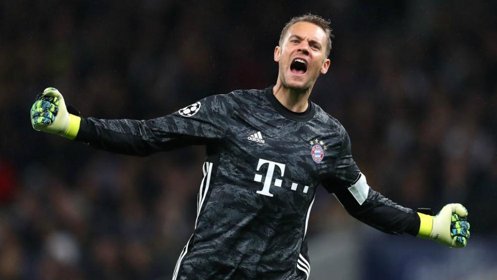 Manuel Neuer celebra uno de los goles del Bayern de Múnich en esta jornada de la Champions League. (Getty)