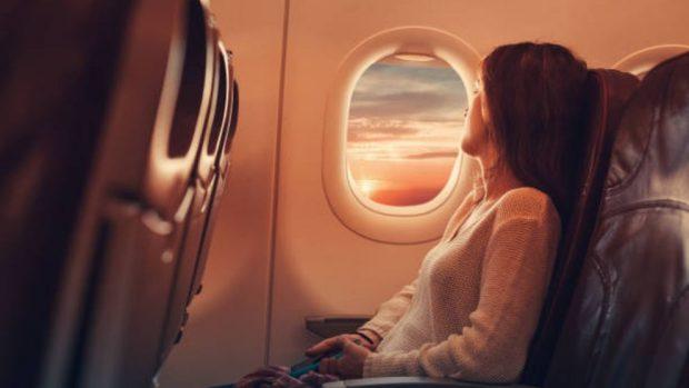 evitar sentirse hinchado viaje en avión